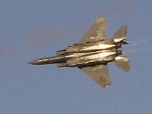 F-15战机进行飞行预演