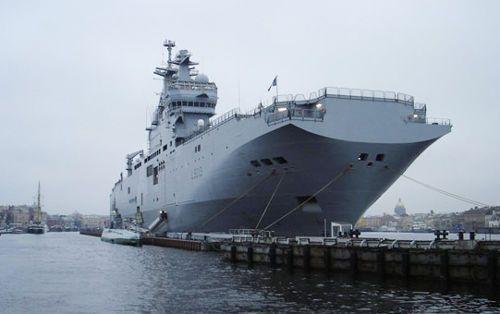 俄罗斯首艘法制西北风级两栖舰举行开工仪式