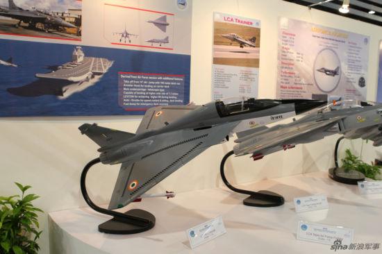 印度在新加坡航展上展出的单座的海军型LCA