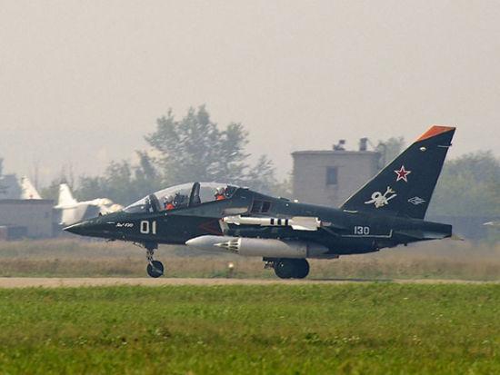 资料图:俄罗斯雅克-130教练机。