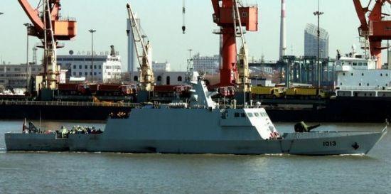 试航中的中国为巴基斯坦造导弹艇。