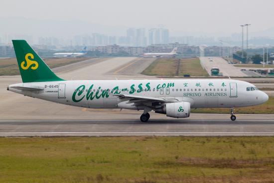 春秋航空A320客机