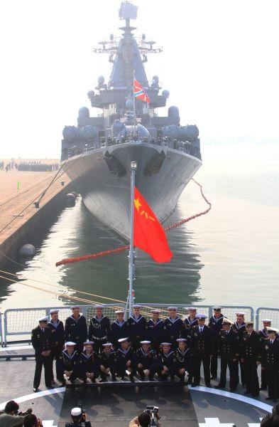 俄罗斯巡洋舰抵达中国