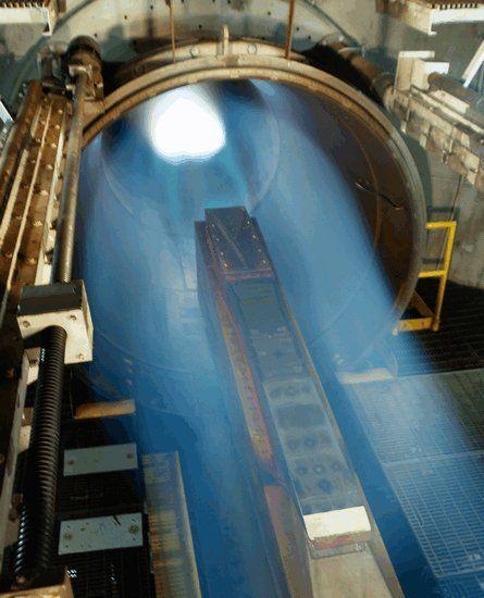 资料图:美国在风洞内测试X-51A高超音速飞行器的发动机,其最高风速为7.5倍音速。