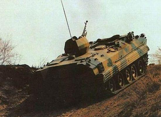资料图:国产90式装甲人员输送车