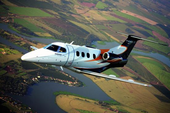 巴西航空工业公司飞鸿100超轻型喷气公务机