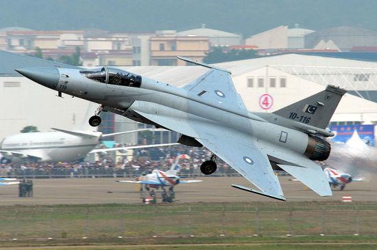 巴基斯坦jf-17枭龙战机将亮相今年珠海航展
