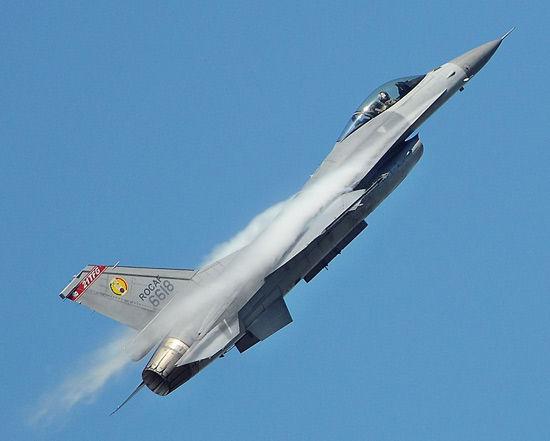 台湾空军现役的F-16A战机