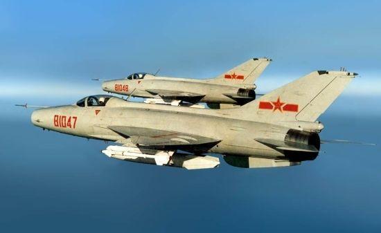 挂载空空导弹巡逻的歼7双机编队
