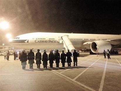 国泰航班机舱冒烟备降武汉天河机场 图