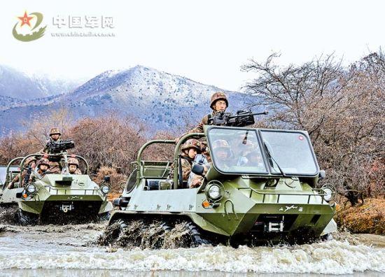 西藏军区列装轻型全地形车