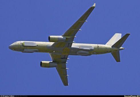 俄罗斯最新型图-214R侦察机