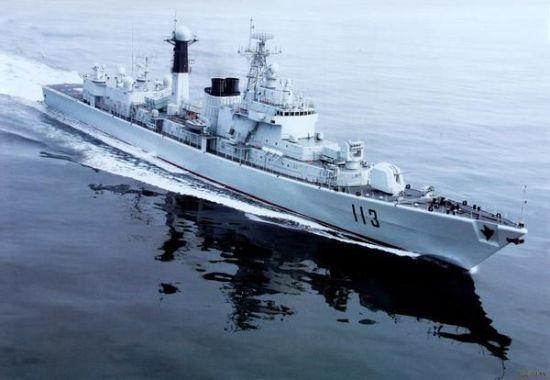 青岛舰是是中国按照西方现代化标准建造的第一种主力战舰。