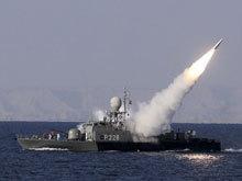 伊朗海军导弹快艇发射反舰导弹