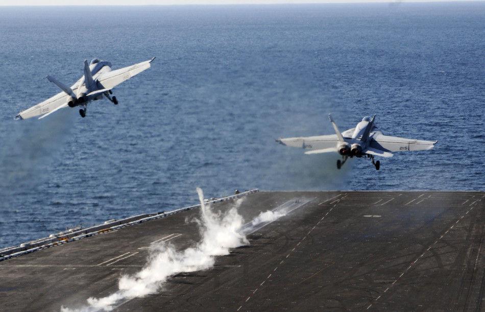 美国航母舰载机至今都是采用蒸汽弹射起飞方式