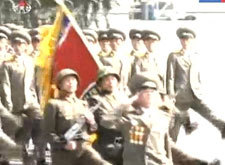 朝鲜大型阅兵式庆祝金正日诞辰