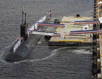 美国海军北卡罗来纳号核动力潜艇5月13日停靠菲律宾苏比克湾