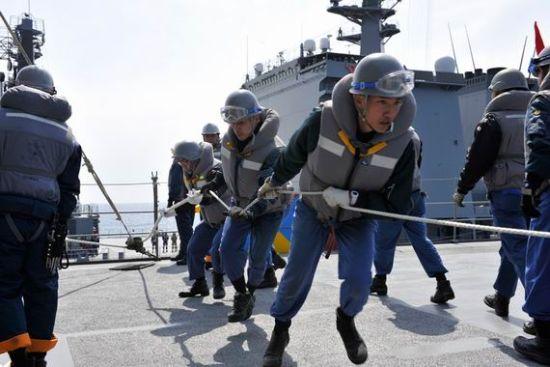 日本海上自卫队日常训练。