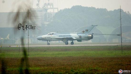 成飞为孟加拉空军制造的F-7BGI战机