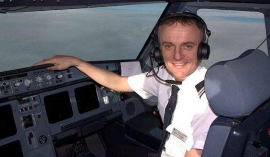 英航飞行员被有毒油烟呛晕致飞机紧急降落