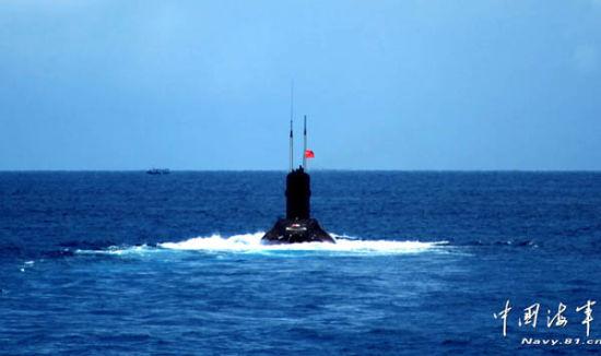 南海舰队新型潜艇演练