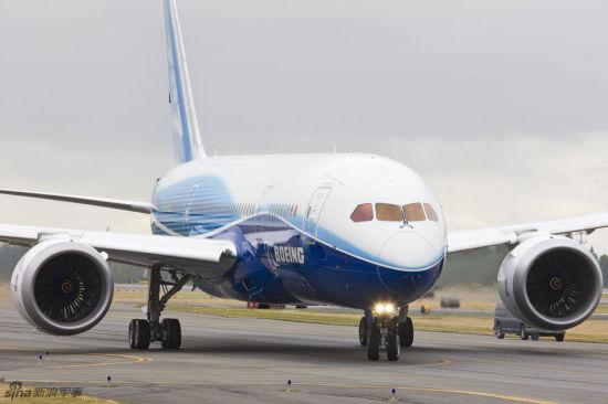 资料图:测试当中的波音787梦想飞机。