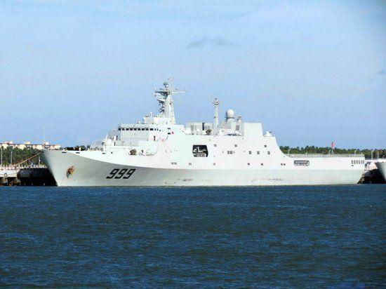 """海军南海舰队某登陆舰支队新型船坞登陆舰""""井冈山""""舰"""