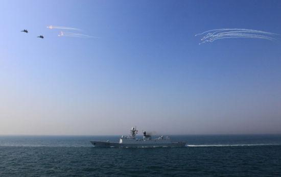 """2012年4月,中俄""""海上联合-2012""""军事演习在黄海海域举行。"""