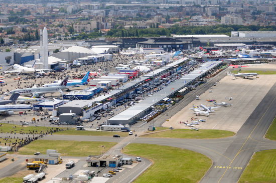 上一届巴黎航展有2113家国际展商参展。