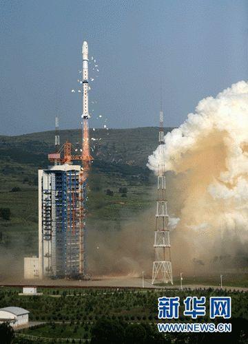 """中国""""一箭三星""""成功发射3颗技术科学试验卫星"""