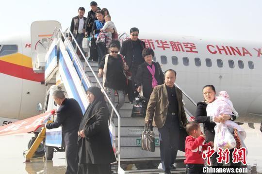 海航执飞的从深圳至喀什的737-800客机降落在喀什机场