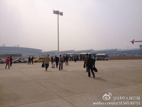 首都航空JD5662次航班备降在南昌机场