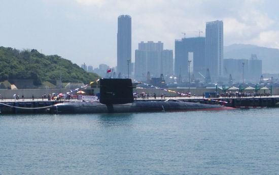采用了德国MTU公司柴油发动机的宋级核潜艇