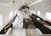 成龙私人飞机莱格赛650公务机
