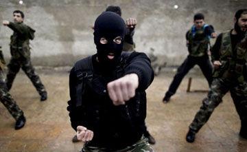 叙利亚自由军严格苦训不当乌合之众