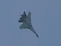 苏-35表演钟式机动