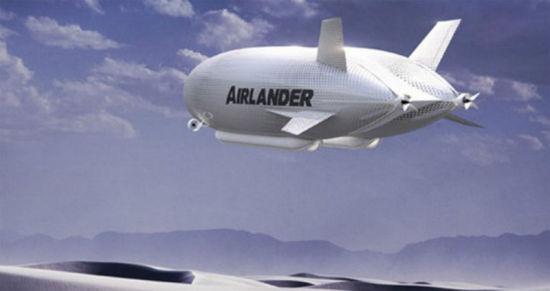 人民网3月3日讯 据BBC报道:世界上最大的飞机天空登陆者号(The Airlander)于2月28日在英国贝德福德郡地区的一个机库中现身。这架现在静悄悄停靠在贝德福德的卡丁顿机棚的巨型飞机,其长度不仅是莱特兄弟首次飞行长度的2.5倍,而且比目前世界上最大的客机空客380和波音747-8型飞机还长出约18米。   这个目前重新被组装成的大家伙乍一看像是个超大的飞艇,顶部是巨型充气球,下面是悬挂的机舱。但这架一举航空动力原理建成的独特飞行器,将改变航空业的游戏规则。顶部装置有如三个