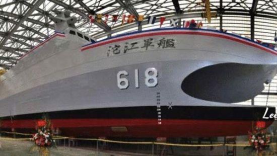 台湾隐身导弹巡逻舰亮相