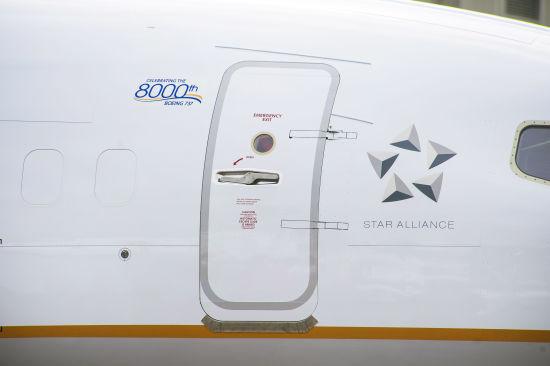 第8000架737装饰了特别的纪念标识