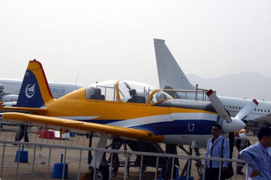 资料图:中航工业L7高性能教练机