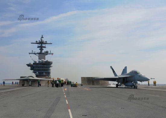 资料图:2014年8月17日,美国海军X-47B无人战机再次进行试飞任务。