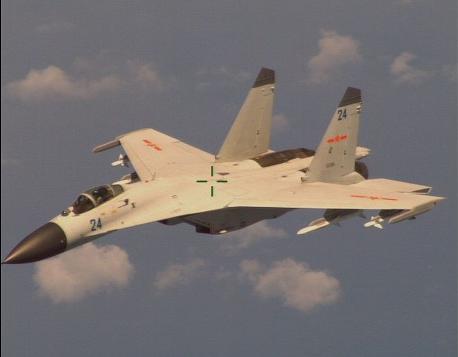 美军侦察机拍摄的中国战机照片。