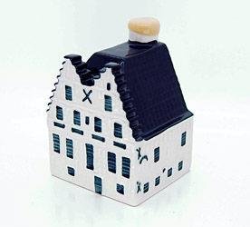 材料图:荷航87周年代夫特陶微型房子模型??。