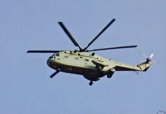 军事深度 > 正文     根据世界飞机手册,直-8的空重大约7吨左右,最大
