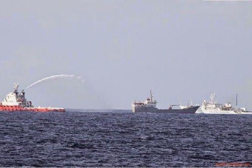资料图:中国与越南海警最新对峙照片