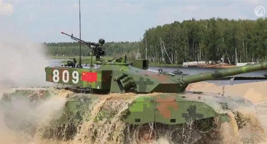 资料图:昨日,俄罗斯国防部官网发布8月5日坦克大赛成绩。中国以32分15秒的总成绩与吉尔吉斯斯坦并列排在第六位。中国96A完成赛程时间是30分15秒,加罚时间2分钟,包括第三组模拟RPG射击脱靶。