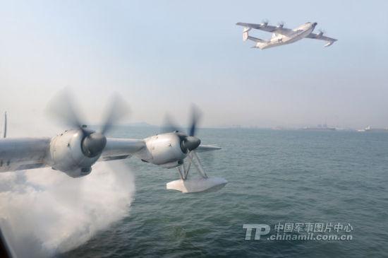 资料图:北海舰队航空兵水上飞机部队是我军惟一的水上飞机部队。装备的国产某型水上飞机具有超低空性能好、续航时间长、运载量大等特点,能够在江河、湖泊、水库和海上起降;