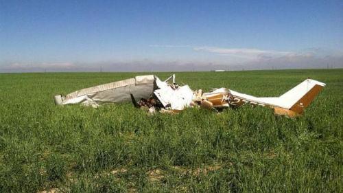 图为去年5月31日坠毁的小型飞机