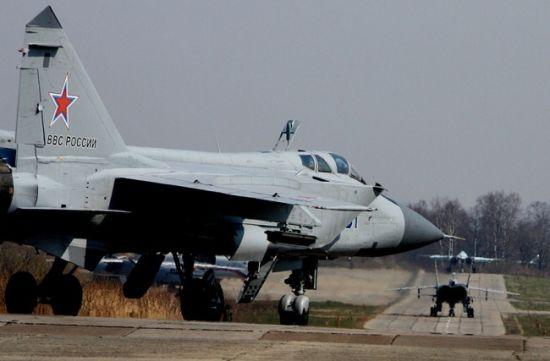 """通过翻新的米格-31BM战争机加入俄军""""战争力临检"""""""