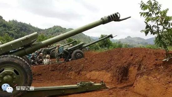 96式122毫米炮兵分队组织演习前的准备工作